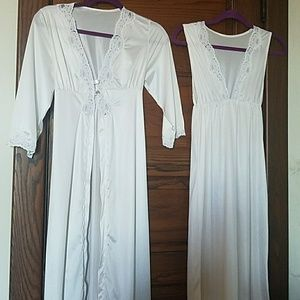 Opalaire 2-piece White Lace Nightgown Robe Small